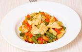Petto di pollo e verdura — Foto Stock