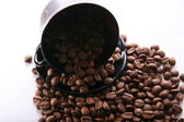 Cup and Background coffee beans . — Stock Photo