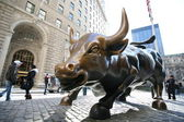 Stier in ny wallstreet — Stockfoto