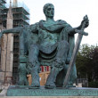 A bronze statue of Constantine I outside York Minster in England — 图库照片