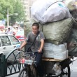 Overloaded bike, Shanghai, China — Stock Photo