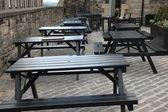Empty picnic table — Stock Photo
