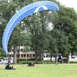 Parachutists landing — Stock Photo #23670661