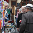 Tourists in the beautiful streets of Montmartre — Stock Photo