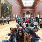Museo del LouvreOrganizatör, yapışkanlı, kalem, kurşun kalem ve st — Foto de Stock