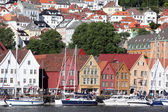 BERGEN, NORWAY - CIRCA JULY 2012: Tourists and locals stroll alo — Stock Photo