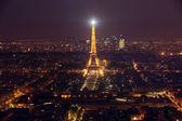 Париж - 27 апреля: Посмотреть Париж и башня eiffel 27 апреля 2012 г. в Париже — Стоковое фото