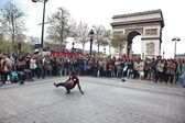 PARIS: B-boy doing some breakdance moves — Stock Photo