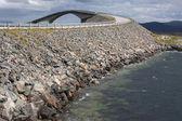 ノルウェーの大西洋の道に storseisundet 橋 — ストック写真