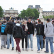 Local and Tourist in the Tuileries gard — Stock Photo
