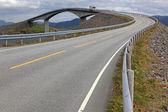 Storseisundet most na Atlantické cestě v Norsku — Stock fotografie