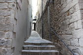 Street in the medieval quarter of Girona, Spain — Stock Photo