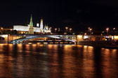 Famous and Beautiful Night View of Moskva river, Big Stone Bridge — Stock Photo