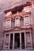 Al Khazneh, the treasury of Petra ancient city, Jordan — Stock Photo