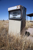 Old abandoned vintage USA gas station — Stockfoto