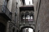 Bridge at Carrer del Bisbe,Placa del Rei,Barcelona,Spain — Stock Photo