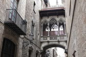 Neogothic bridge at Carrer del Bisbe — Stock Photo