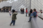 People go to famous Louvre museum — Stock Photo