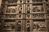 Ancient decorated door — Foto Stock
