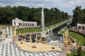 Fountains in Peterhof — Stock Photo