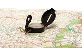 Kompass und karte. — Stockfoto