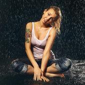 Girl Under Rain — Stock Photo