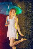 Dziewczyna w deszczu — Zdjęcie stockowe
