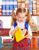 Barn med stack bok. — Stockfoto
