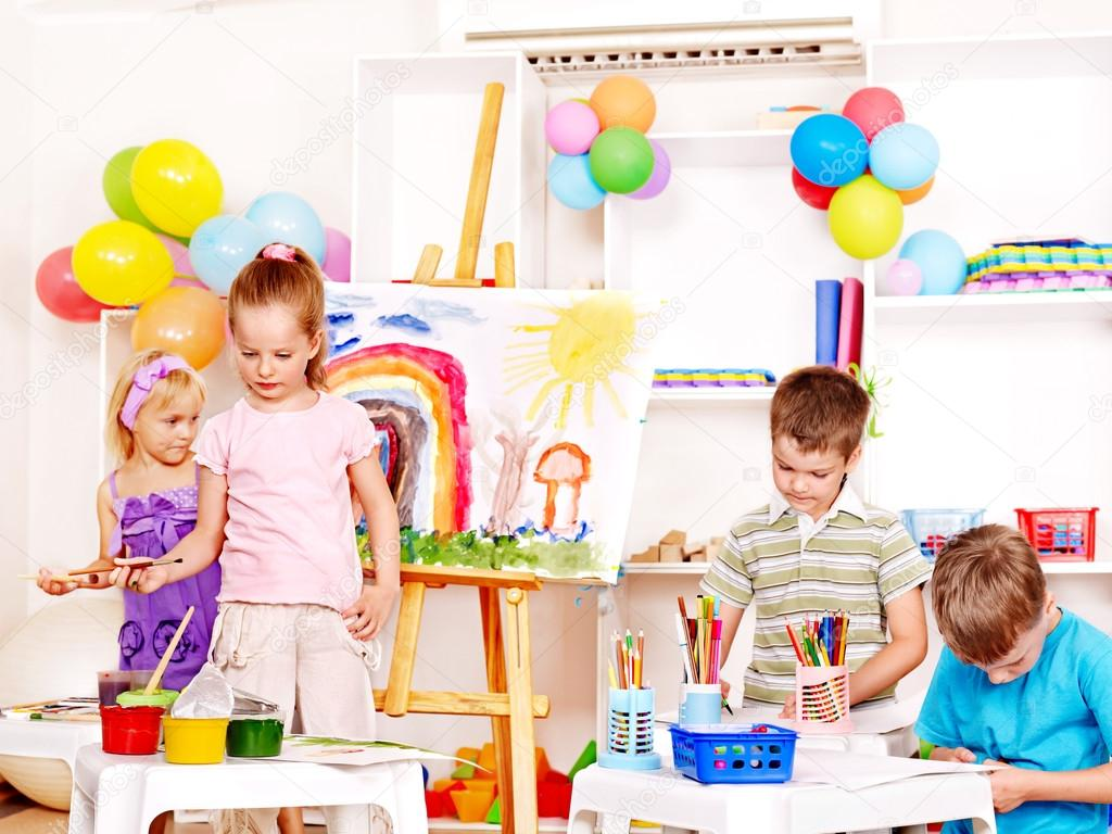 Group child painting at easel in school. — Stock Photo #12071360