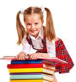 Niño con libro de pila. — Foto de Stock