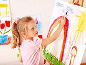 Bambino dipinto a cavalletto. — Foto Stock