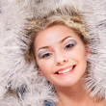 giovane donna nella neve — Foto Stock