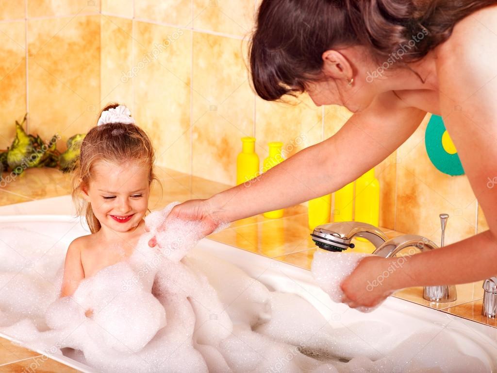 моя мама в ванной голая фото