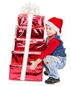 Kid avec boîte de cadeau de noël. — Photo