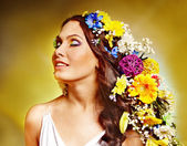 Woman with flower hairstyle. — Stock Photo