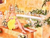 Donna spa di lusso. — Foto Stock