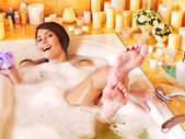 Woman relaxing at bubble bath. — 图库照片