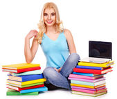 Student met stapel boeken. — Stockfoto