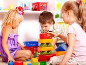 Crianças no jardim de infância. — Foto Stock