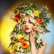 Woman with flower hairstyle. — Stockfoto