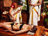 阿育吠陀温泉治疗的女人. — 图库照片