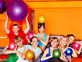 Grupp i aerobics klass. — Stockfoto