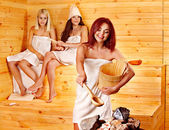 Friend relaxing in sauna. — Foto de Stock