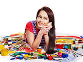 Artist woman with paint palette. — Stock Photo