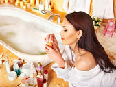 Woman applying moisturizer. — Stock Photo