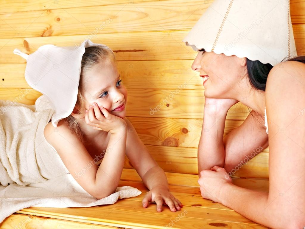 http://st.depositphotos.com/1000260/3014/i/950/depositphotos_30142679-Family-with-child-relaxing-at-sauna..jpg