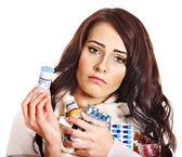 Kobieta o tabletki i tabletki. — Zdjęcie stockowe