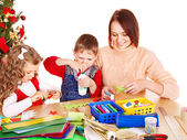 Kids making decoration for Christmas. — Foto Stock