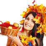 Girl holding basket with fruit. — Stock Photo #30744033