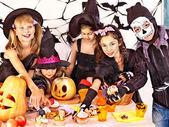 Halloween party s dětmi. — Stock fotografie